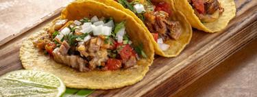 Tacos de suadero con salsa roja. Receta mexicana fácil