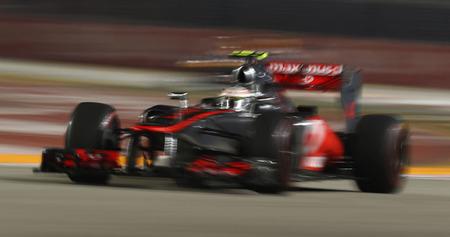 Lewis Hamilton se hace con la pole en Singapur y mantiene la emoción en el campeonato