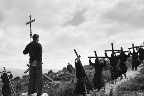 'Totum revolutum', el documental y la exposición 'El Santo Christo Ibérico' cuentan la realidad del fotógrafo Koldo Chamorro