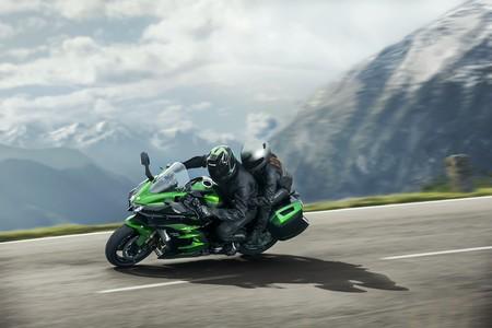 Kawasaki Ninja H2 SX: 200 CV para sobrealimentar tus viajes