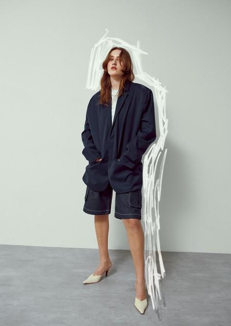 Notición para las fans del estilo escandinavo: la firma Weekday (del grupo H&M) llega a España con su primera tienda en Barcelona