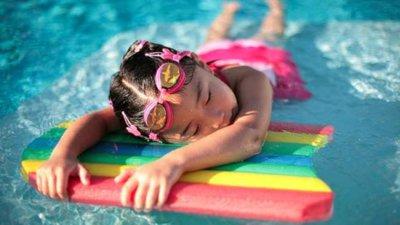 Como evitar la transmisión de infecciones en las piscinas