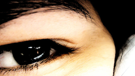 Cómo disimular unas cejas que no están perfectamente depiladas