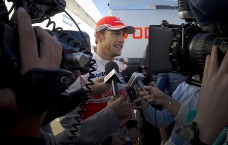 Jenson Button considera bochornoso el estado de forma de McLaren