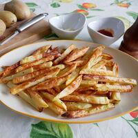 Cómo hacer patatas fritas en freidora sin aceite: la receta para que queden crujientes por fuera y tiernas por dentro