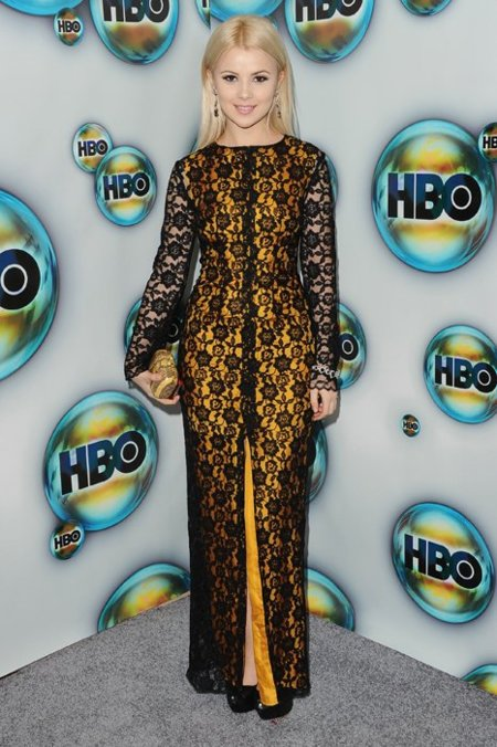 Mika Newton fiesta de HBO