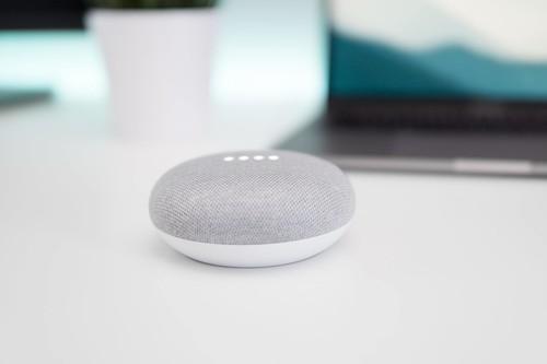 Qué es lo que realmente escuchan, almacenan y procesan Alexa, Assistant y Siri
