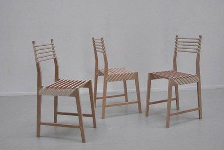 Tres sillas que se convierten en una sola
