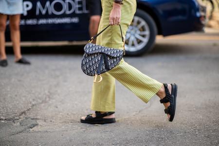 19 looks de street style que demuestran que las sandalias más ugly del verano son en realidad lo mejor de la temporada