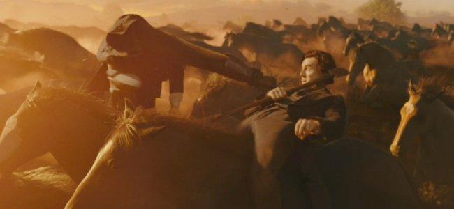 Benjamin Walker matando vampiros entre caballos salvajes