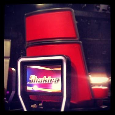 Shakira ya le está calentando el sillón a Christina Aguilera en The Voice