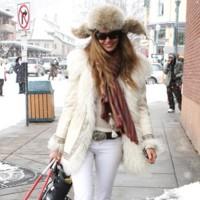 Las celebrities en vacaciones: looks de invierno contra looks de verano