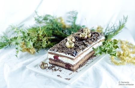 Tronco de navidad Selva Negra. Mezcla lo mejor de la navidad con una de las tartas más ricas del mundo