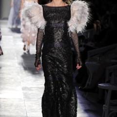 Foto 52 de 61 de la galería chanel-alta-costura-otono-invierno-2012-2013-rosa-gris-brillos-y-nuevo-vintage en Trendencias