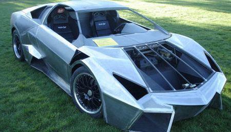 Réplica del Lamborghini Reventón sobre un Pontiac Fiero