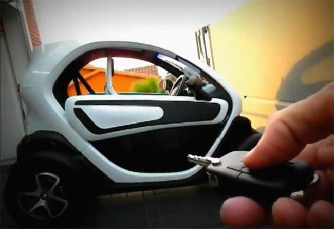 Apertura a distancia de las puertas del Renault Twizy