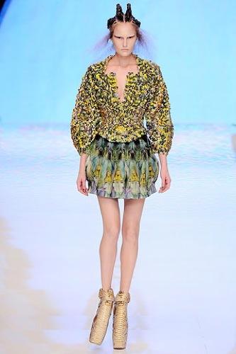 El estampado floral dominará la Primavera-Verano 2010: vestidos para tomar nota, Alexander McQueen