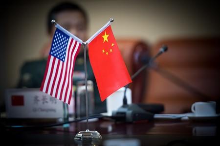 """Estados Unidos y China llegan a un """"acuerdo parcial"""" en las negociaciones que buscan poner fin a su guerra comercial"""