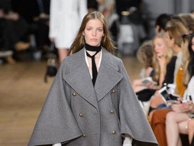 Clonados y pillados: Chloé y su abrigo-capa gris, ¡clonado y de rebajas!