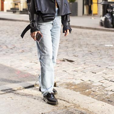 Cinco zapatos blucher en color negro para combinar con nuestros looks de oficina más cómodos