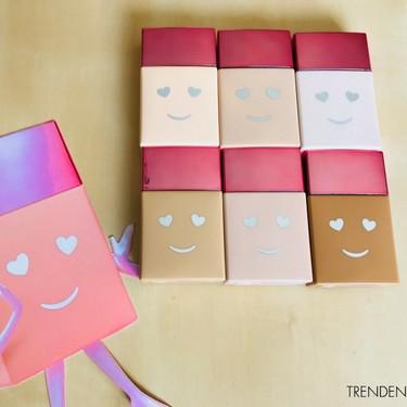 Hemos probado 'Hello Happy' de Benefit, la base para rostro más feliz de este verano