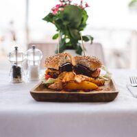 Comer con frecuencia comidas preparadas fuera de casa se asocia con mayor riesgo de mortalidad, según un reciente estudio