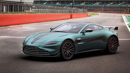 Aston Martin Vantage F1 Edition 1