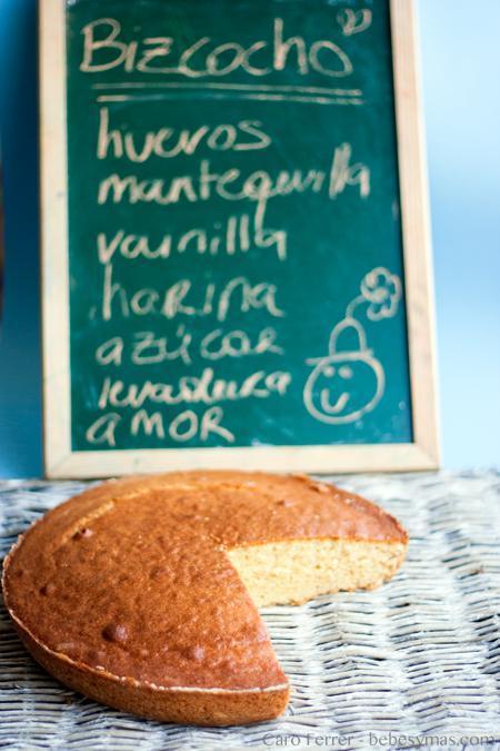 Cocinar con niños: receta básica de bizcocho