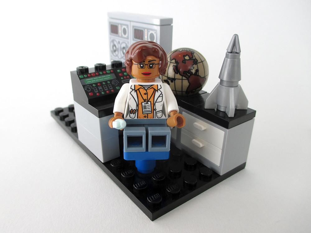 Lego Nasa Women 1