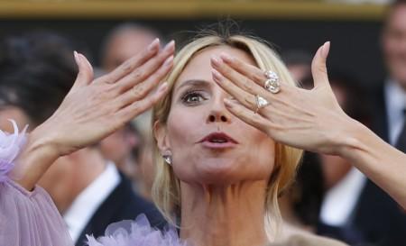 Heidi Klum se convierte en la mujer de lila con un vestido de Marchesa