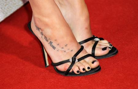Dakota Johnson tatuaje