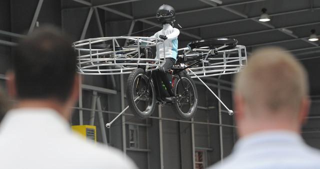 Bicis voladoras y el sueño de unos desarrolladores checos