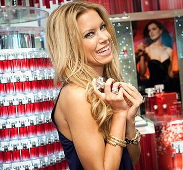 Sylvie van der Vaart y el perfume