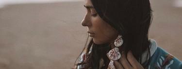 Los pendientes de conchas más bonitos de Instagram son largos, perfectos para el verano y de una firma española