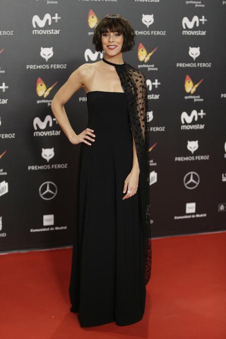 premios feroz alfombra roja look estilismo outfit Belen Cuesta