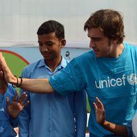 Fernando Alonso se suma a la ola solidaria de la Fórmula 1 donando mascarillas y respiradores contra el coronavirus