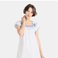 Foto 1 de 5 de la galería vestidos-blancos-bohemios-en-moda-unit en Trendencias