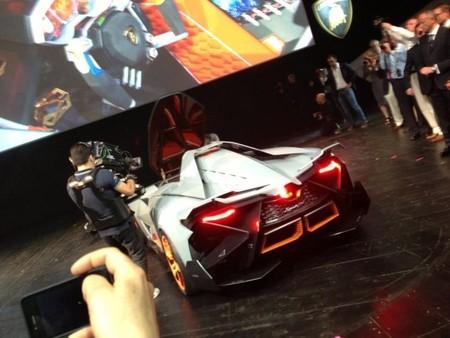 Lamborghini Egoista parte trasera