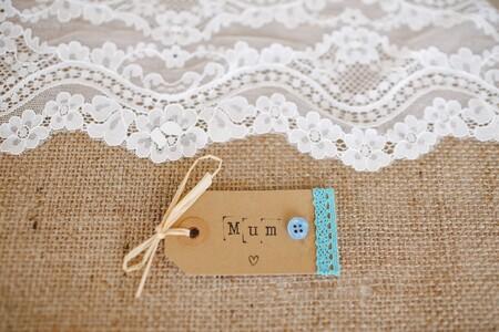 Si te ha pillado el toro con el regalo para el día de la madre, una tarjeta de su tienda favorita es acierto asegurado