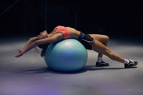 Fitball o pelota de Pilates: ¿cuál es mejor comprar? Consejos y recomendaciones