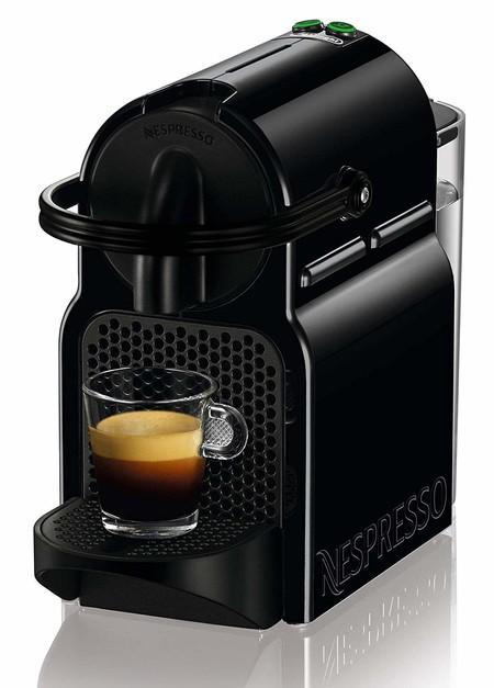Precio mínimo en la cafetera Nespresso De'Longhi Inissia EN 80.B: cuesta 59 euros en Amazon con cupón de 20 euros en cápsulas