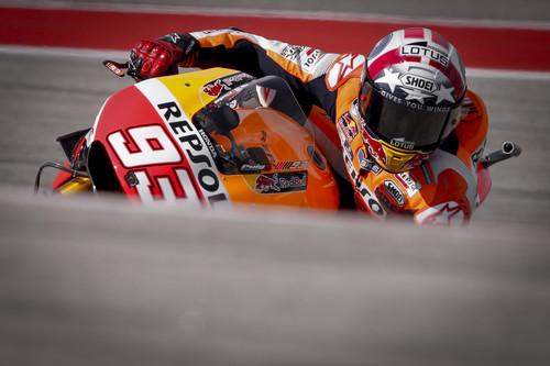 Texas da alas a Marc Márquez en una carrera plagada de caídas