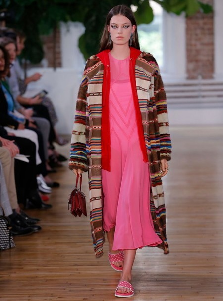 Valentino Resort 2018 Fashion Show The Impression 36 760x1024