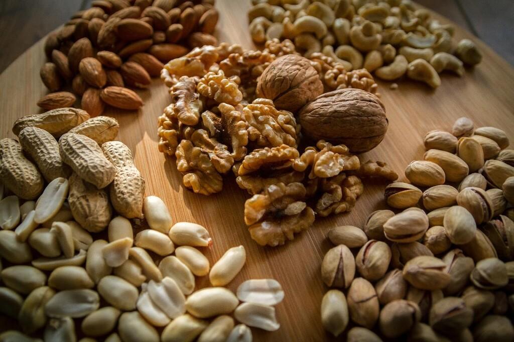 Los mejores alimentos para sumar fibra a la dieta cetogénica y prevenir el estreñimiento