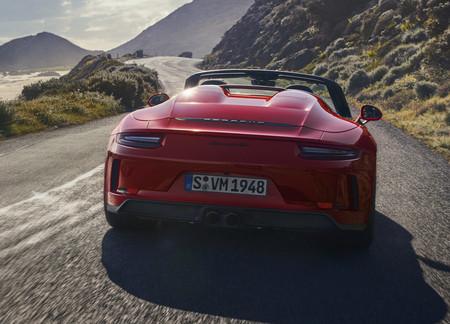 El Porsche 911 Speedster 2019 es un descapotable en edición limitada con entrañas de 911 GT3