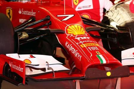 """Gary Anderson:""""Hay algo malo en la nariz del F14T; interpretaron mal las reglas"""""""
