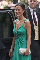 Los looks de Pippa y Carole Middleton en la fiesta privada después de la boda