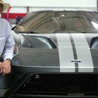 Jack Roush deja sentir su emoción en video al recibir su flamante Ford GT