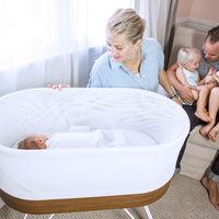 """Esta cuna """"inteligente"""" con wifi y sensores intenta dormir al bebé automáticamente, pero ha de estar inmovilizado"""