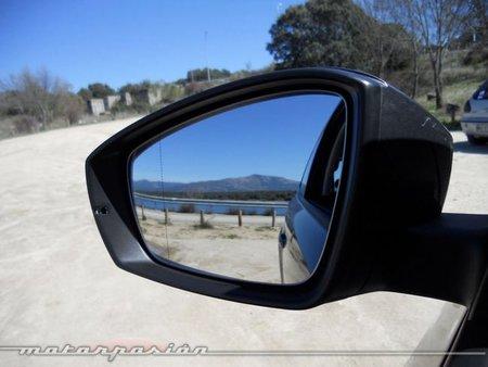 VW Polo retrovisor derecho